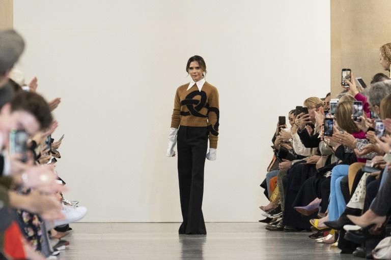 8106e7413de Victoria Beckham goes  retro  at London Fashion Week show