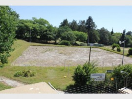 The former Melrose Bowling Club property, which has been standing empty for almost a year, is a major concern to those living in close proximity to the club.