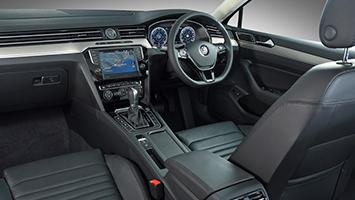 new-passat_interior-001_880x500-417668