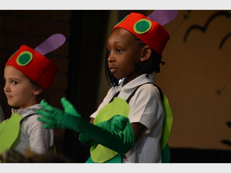 Little ones show off their perfoming skills - Rosebank Killarney Gazette