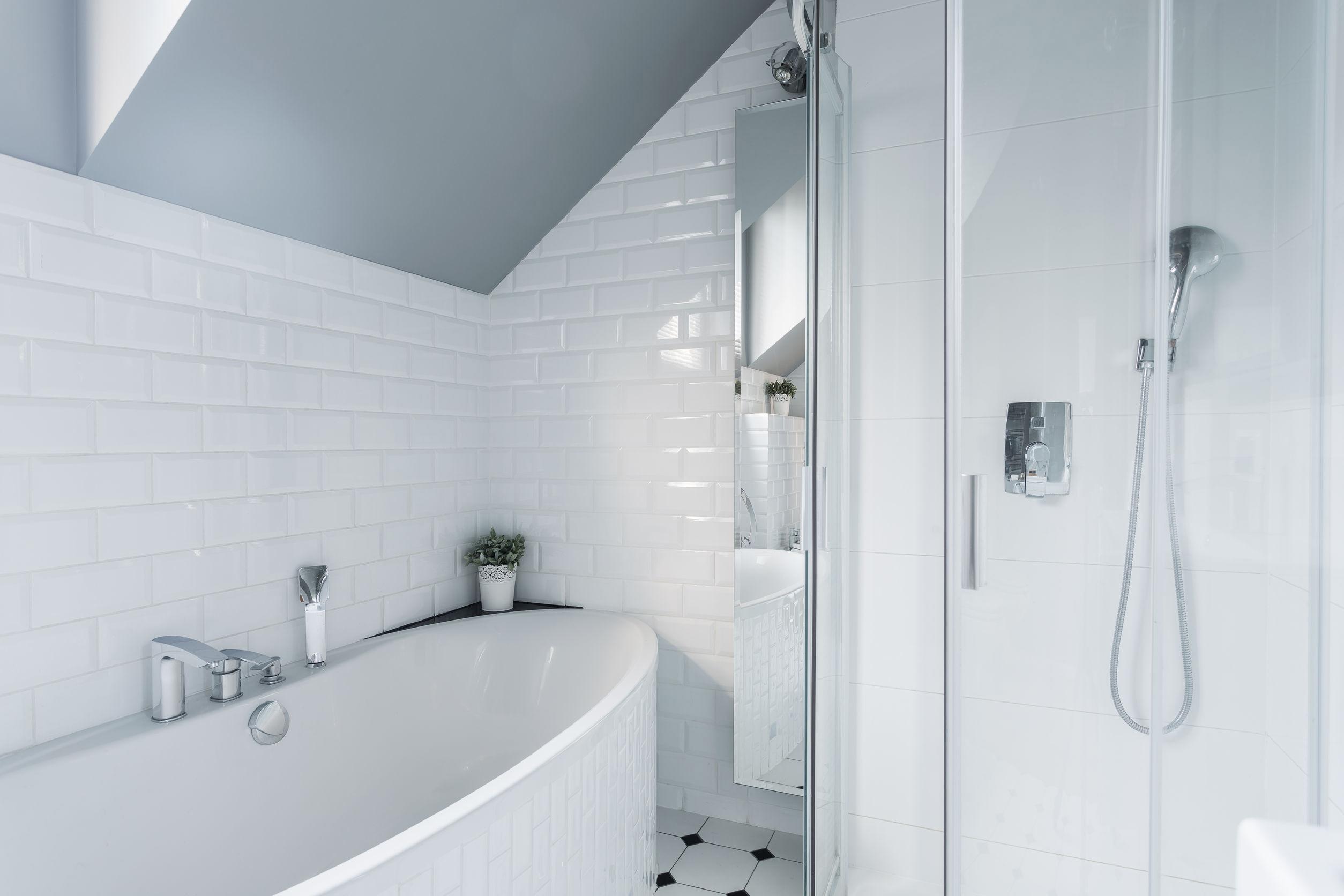 Beautiful & bold bathroom trends
