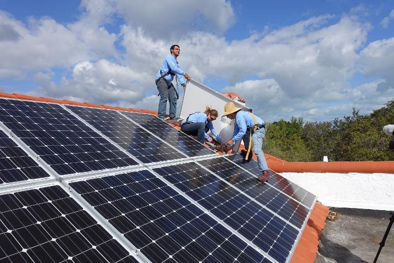 Unlikely allies fight for solar energy in Florida | AFP
