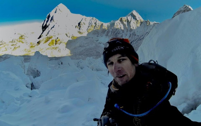 South African mountaineer Ryan Sean Davy takes a 'selfie' as he climbs on the Nepalese side of Mount Everest | © Ryan S. Davy/AFP | HO