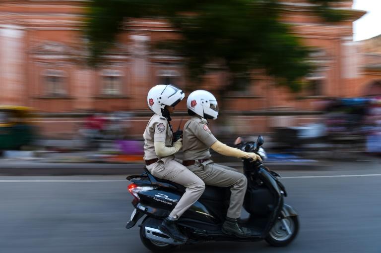 На скутере секс