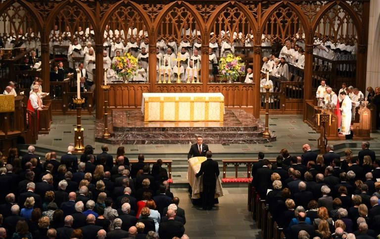 Past presidents, family and friends bid farewell to Barbara Bush