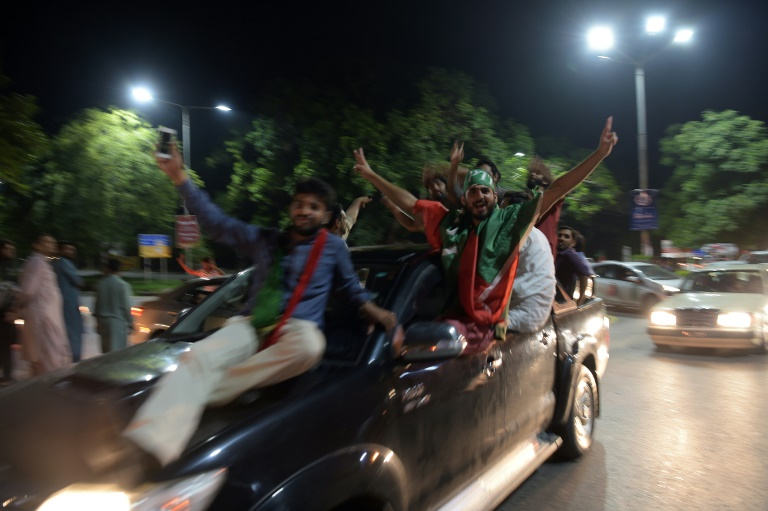 Khan supporters celebrate as Pakistan faces electoral chaos – VIDEO