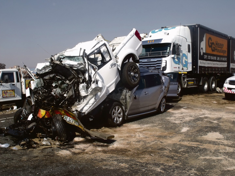 Ses voertuie was op 10 Junie in 'n kettingbotsing op die R59-hoofweg betrokke.