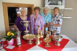 Wenners tydens die Carletonville VLUtak se prysuitdeling was mee. Marie Tervit, Petro van Nieuwenhuizen, Cielie van Niekerk (algehele wenner) en Susan Britz.