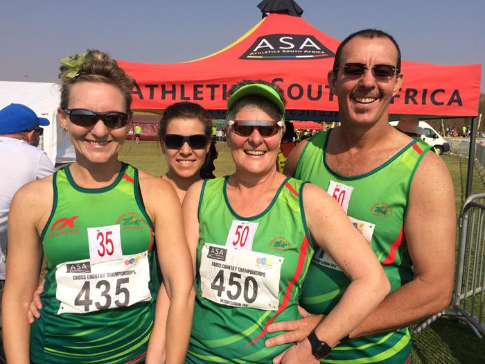 Die atlete wat hul staal tydens die SA landloopkampioenskap op 9 September gewys het, is voor: Annalisa Freese en Vanessa Cordier. Agter: Schaney de Haas en Lood Cordier.