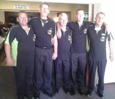 Van links is Rynhard Malan, Ockert Grobler, Radley Lewies(Mascot), Christiaan Mans en Danie v d Merwe.