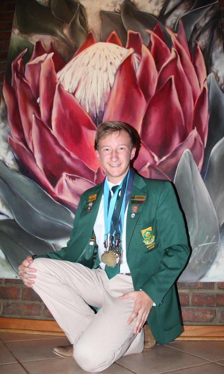 Jurgens Jansen van Rensburg is in die wolke na sy goeie vertoning tydens die SA Ope Bisleyskiet-kampioenskappe waar hy ses medaljes verower het.