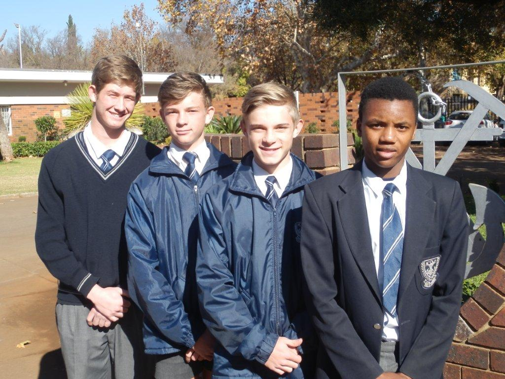 Hierdie hokkiespelers van Gimmies is vir NW-o.16 seunshokkiespan gekies. Vlnr: Henko Labuschagné, FC de Villiers, Janco Ritchie en Lumka Gebengana.