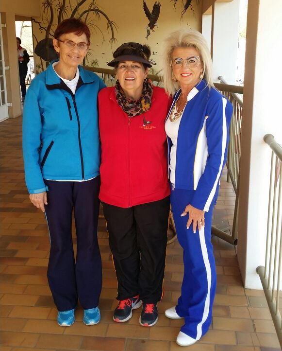 Vir die afgelope 21 jaar van die Coke Netbaltoernooi se bestaan is Irene Seymore, Karien van Helsdingen (Garsfontein) en Eleanor van Rensburg (Waterkloof) die enigste onderwysers/afrigters wat jaar na jaar die Coke-toernooi bygewoon het