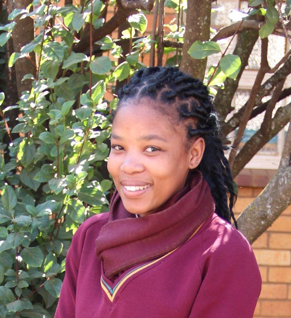 Richoline Matras van HTS Potchefstroom glimlag breed na haar oorwinning in die Afrikaanse Olimpiade. Sodoende is sy nommer een in Noordwes in die kompetisie.