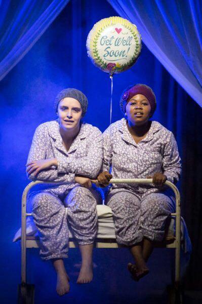 Elbé van der Merwe as Lyla en Veronica Ramokgoname as Anabelle in Droom. FOTO: Verskaf