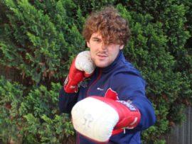 Wilhelm Nebe is die nuwe SA Superswaargewig bokskampioen en hierdie NWU-student staan vir absoluut niks terug nie. Nebe het tot dusver al sy amateur gevegte met uitklophoue gewen en mik nou om professioneel te boks. Foto's: Wouter Pienaar