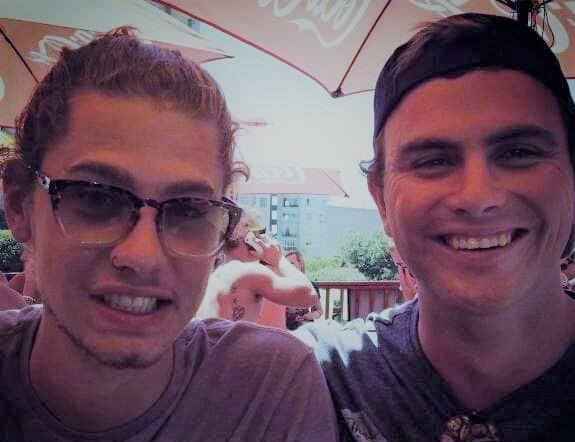 Benjamin Jooste (links) en sy boesemvriend Jason Luker. Foto: Verskaf