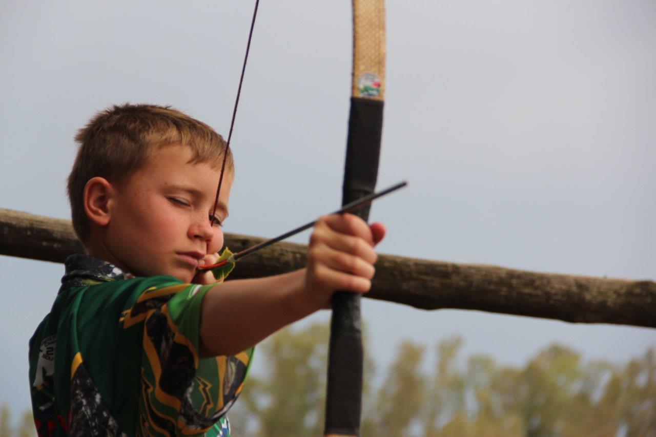 Jonathan Immelman (11) is 'n wêreldkampioen in veld boogskiet nadat hy by die Wêreld Veldboogskiet Kampioenskappe wat vanaf 8 tot 12 Oktober by Elgro River Lodge gehou is, 'n eersteplek behaal het. Foto's: Wouter Pienaar