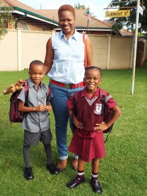 Mom Tshepiso Sono with Nhlamulo and Khensani, Emfuleipark