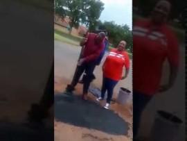 Watch: ELM Mayor Simon Mofokeng resealing a big pothole