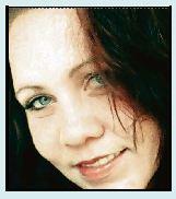 Yolandi Raath van Meyerton is laasweek deur 'n man, gewapen met 'n mes, by haar woning aangeval.