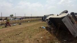 Bakkie rolls off N1 leaving three injured