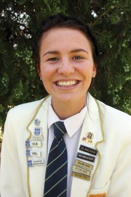 Geena Taljaard van die Hoërskool Dr. Malan het twee eerste plekke in die verspring en driesprong by die NWU Top10-byeenkoms in Potchefstroom verdien.
