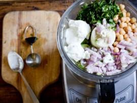 Avacado_Chick_Pea_Yogurt_Dip_Recipe-3