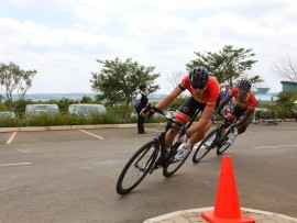 Hendricks and Potgieter in the lead at the crit 2 (Medium)