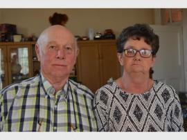 Hennie en Martie du Plessis vier vanjaar hul 50ste huweliksherdenking.
