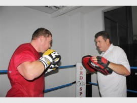 Manny Fernandes training Greg Oliver at the new B.R.D Sports Academy. Photo: Sonwabile Antonie