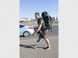 Paul Steyn walking to Krugersdorp. Photo: Sonwabile Antonie