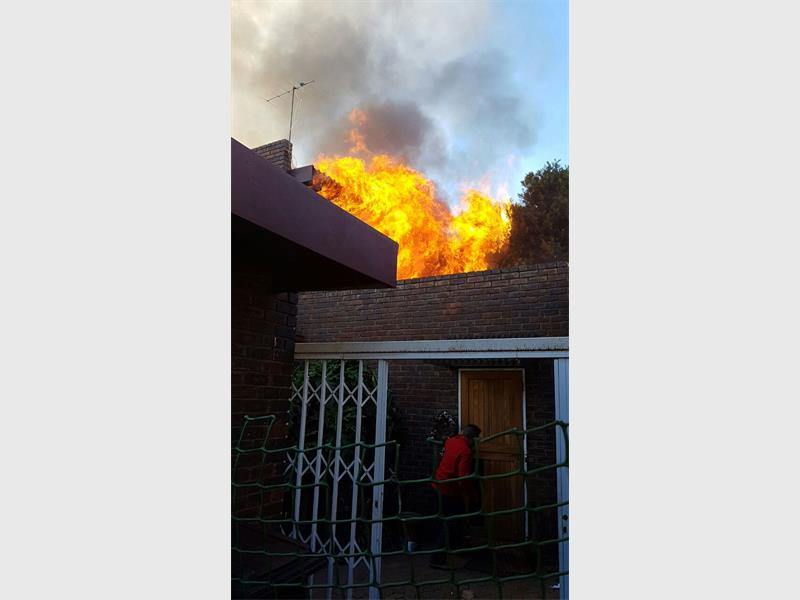 Sensational How To Prevent House Fires Roodepoort Record Largest Home Design Picture Inspirations Pitcheantrous