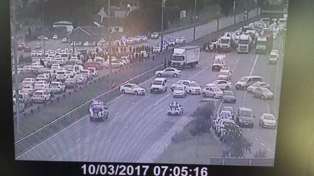 MEDIA: Gridlocked Edenvale traffic following #TaxiStrike ...