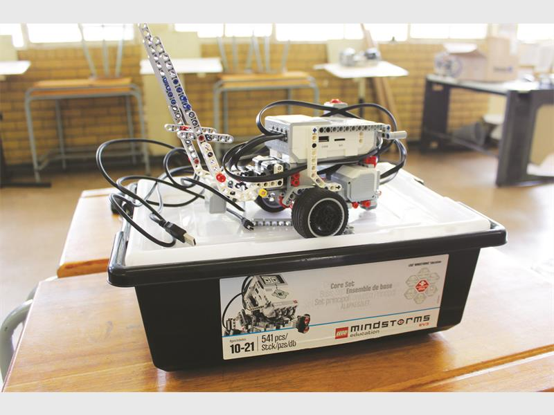 A boost for Ferndale High School robotics | Fourways Review