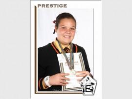 Charleen du Plessis is aangewys as Fasewenner (graad agt tot nege) en het drie medaljes ontvang.