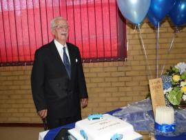 Attie Gertenbach het sy 100ste verjaarsdag saam met familie en vriende Saterdag in die APK se kerksaal gevier.