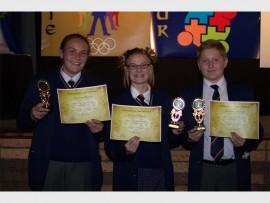 Graad agt se uitblinkers was (van links): Nicola Karsten, Madelize Nel en Clinton Scott.