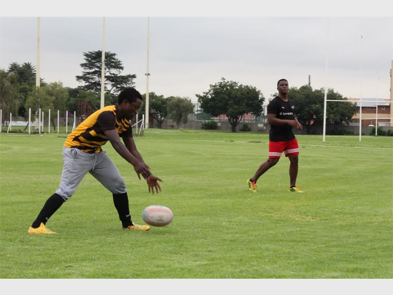Kuda Mubaiwa (left) and Wothando Ngbeni played rugby in the rain at the Springs Rugby Club on Sunday.