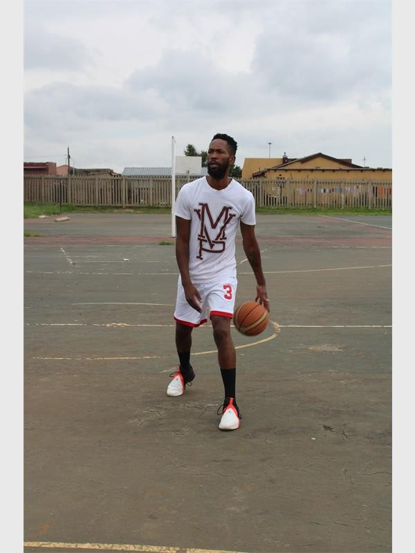 Shooting his way up with basketball | Springs Advertiser