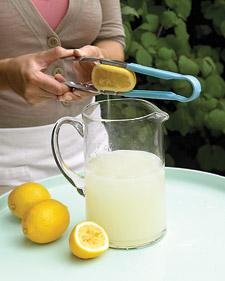 mld103351_0608_lemonade_l