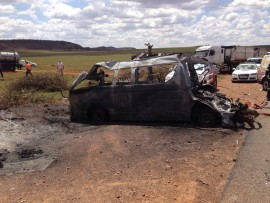 The burned shell of the taxi. Photo: ER24.
