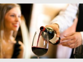 Do not overindulge in alcohol whether this is before or during the date. Photo: toasttahoe.com