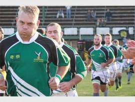 Randfontein Rugbyklub is slaggereed vir die 2017-seisoen. Hier draf Ian Pottas, een van verlede jaar se eerstespanspelers saam met die res van die span op die veld. Foto: Roxy de Villiers