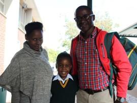 Nokukhanya, Mbalenhle en Samuel Matjeke.