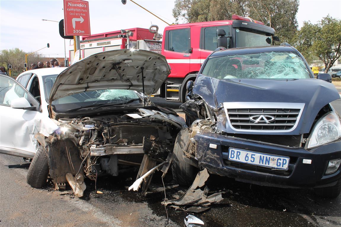 CR Swart Drive and Pretoria Road accident   Kempton Express
