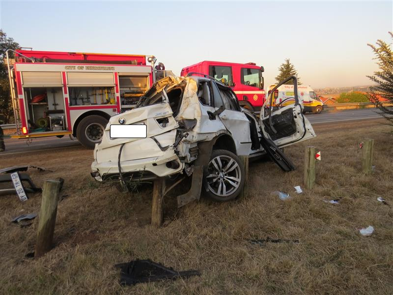 Four killed instantly as two vehicles crash on N3 highway near