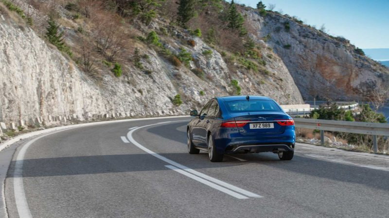 Facelifted Jaguar XF: Sharper looks and new interior for ...