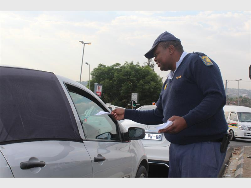 Randburg police warn motorists about smash and grabs