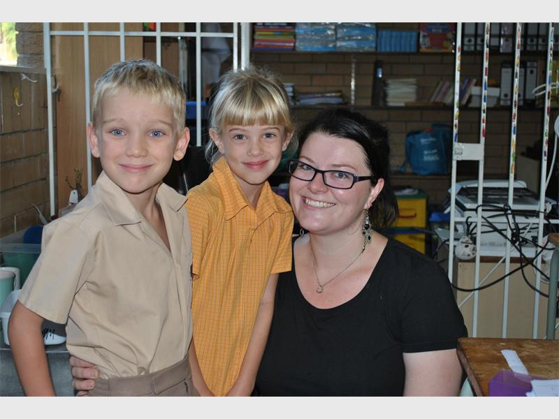 Lasse Boddeus and Olivia Schepers with their new teacher Kim Japp at Montrose Primary.